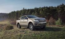 """Ford Ranger 2019 """"nhẹ nhàng"""" kéo 20 chiếc Caravan tại Anh"""