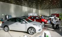Sát tết bất ngờ lo ế: Đại lý bán tháo, ô tô đồng loạt giảm giá