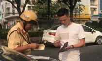 Phạt người ngồi trên ô tô không thắt dây an toàn: Chế tài quá nhẹ