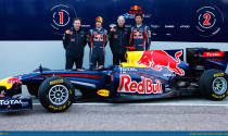 Redbull quẩy tung Mỹ Đình với siêu xe đua F1 RB7