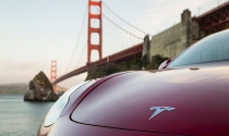 Tesla kiếm tiền từ những thứ tưởng như vô giá trị