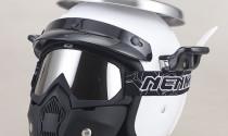 """Ngạc nhiên với mũ bảo hiểm được thiết kế như """"nồi cơm điện"""" chính hiệu"""