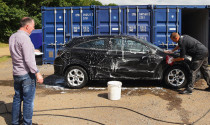 Thợ rửa xe chuyên nghiệp ở nước người ta là như thế này đây
