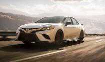 Toyota Camry bản thể thao TRD lộ giá bán
