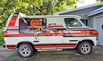 Sở hữu siêu phẩm Dodge van nếu bạn là người hâm mộ thực sự của Star Wars!