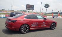 3 bài test chớp nhoáng với VinFast Lux trên đường đua Đại Nam