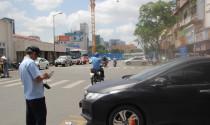 """Lãnh đạo TPHCM thúc phạt nguội xe ô tô """"trốn"""" phí đỗ xe"""