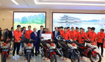 Cầu thủ Đội tuyển Quốc gia Nữ Việt Nam và U22 Việt Nam được tặng xe máy Honda