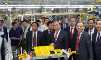 Thủ tướng: Nên ủng hộ ô tô Việt, đừng đua nhau mua xe đắt tiền