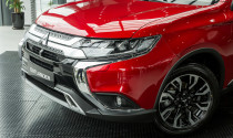 Mitsubishi giới thiệu Outlander 2020 giá 825 triệu đồng rẻ hơn cả CX-5