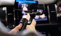Đại lí xe ở Anh tận dụng video call để bán xe thời Covid-19