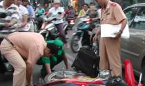 Muốn lấy tiền bồi thường bảo hiểm xe máy bắt buộc, làm hồ sơ cần những gì?