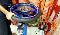 Vỏ xe máy mùa mưa, chọn đắt hay rẻ