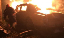 Xe sang tứ quý 8 bị cháy, nghi là Rolls-Royce Phantom hơn chục tỷ đồng
