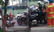 Thành viên hội mô tô gây tai nạn, không giúp đỡ còn hù dọa người bị nạn