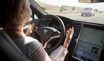 Sự nhầm lẫn tai hại của người dùng về khả năng tự lái của xe Tesla