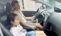 Cánh tài xế nói gì trước đề xuất cấm trẻ em ngồi ghế trước?