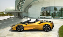 Ferrari SF90 Spider ra mắt: tăng cảm giác lái, công nghệ ấn tượng