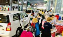 Sẽ họp bàn việc phân làn, quản lý xe công nghệ ở sân bay cho hợp lý