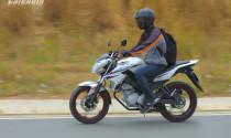 Làm sao phanh xe máy an toàn khi bất ngờ?