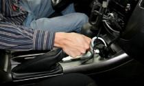 Thói quen đạp chân côn liệu có ảnh hưởng đến má côn?