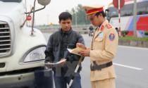 Vi phạm cùng lúc nhiều lỗi giao thông, tôi phải chịu mức phạt thế nào?