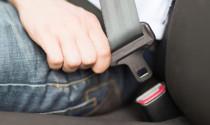 Không thắt dây an toàn ở hàng ghế sau – thói quen xấu khi sử dụng xe