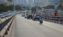 Tư vấn: Trên cầu hai làn thì có được phép vượt xe khác không?