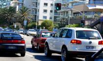 Kinh nghiệm lái xe tiết kiệm nhiên liệu trong mùa Tết