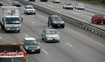 Điều khiển xe ô tô không có đèn tín hiệu bị phạt bao nhiêu?