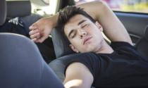 """Những mẹo """"nằm lòng"""" đề phòng ngạt khí, tử vong khi ngủ trong xe ô tô"""