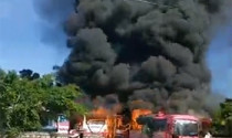 Ô tô bốc cháy trong bãi nhà mình, chủ bãi giữ xe có phải đền không?