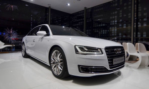 Audi A8L 2014: màn trình diễn của công nghệ và ánh sáng