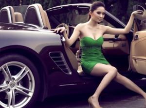 Người đẹp bên Porsche Boxster