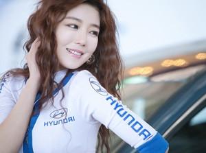 Bóng hồng tại triển lãm Hyundai