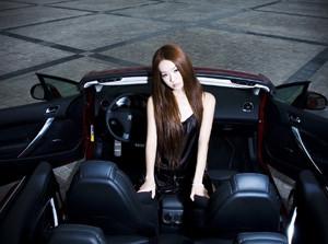 Người đẹp bên Peugeot 308 CC