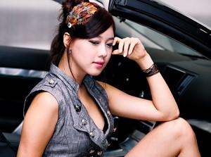 Người đẹp bên Nissan GT-R