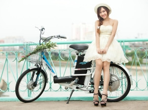 Xuống phố cùng xe đạp điện