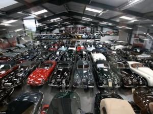 Bộ sưu tập xe cổ hơn 500 chiếc của James Hull
