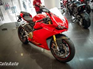 Ducati 1299 Panigale S chính hãng cập bến Việt Nam