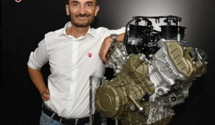 Ducati tiết lộ động cơ Desmosedici Stradale V4 mới, tốc độ hơn 300 km/h