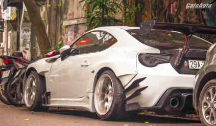 Toyota 86 độ widebody Rocket Bunny trăm triệu xuất hiện trên phố Hà Nội.