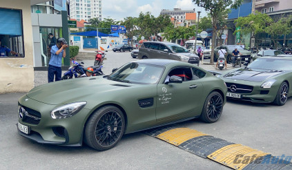 Sài Gòn: Dàn siêu xe trăm tỷ của ông chủ Trung Nguyên diễu hành trên phố
