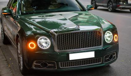 Ngắm nhìn 1 trong 50 chiếc Bentley Mulsanne đặc biệt đi cùng màu sơn độc lạ thu hút mọi ánh nhìn trên đường phố Hà Thành