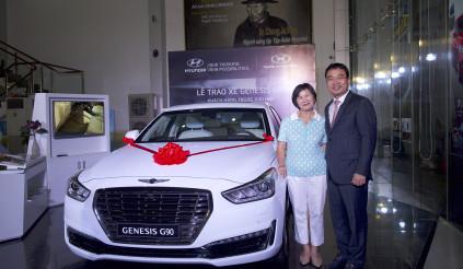 Hyundai Thành Công trao Genesis G90 cho Golf thủ đoạt giải Hole In One