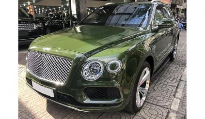 Bentley Bentayga màu độc bất ngờ được rao bán