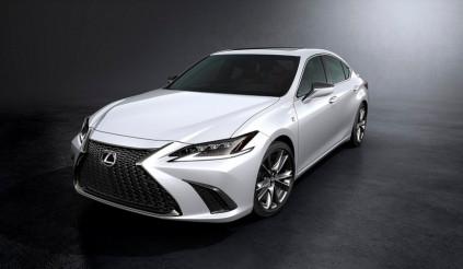 Lexus ES 2018 vừa ra mắt có gì mới?