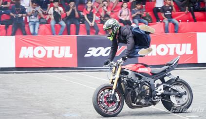 Bỏng mắt với các màn biểu diễn đẳng cấp thế giới tại Motul Stunt Fest 2018
