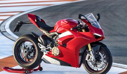 Ducati Panigale V4 S 2018 được bình chọn là chiếc xe máy của năm