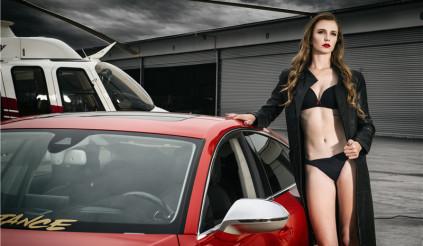 Khởi động tuần mới với người đẹp và Audi A7 RS